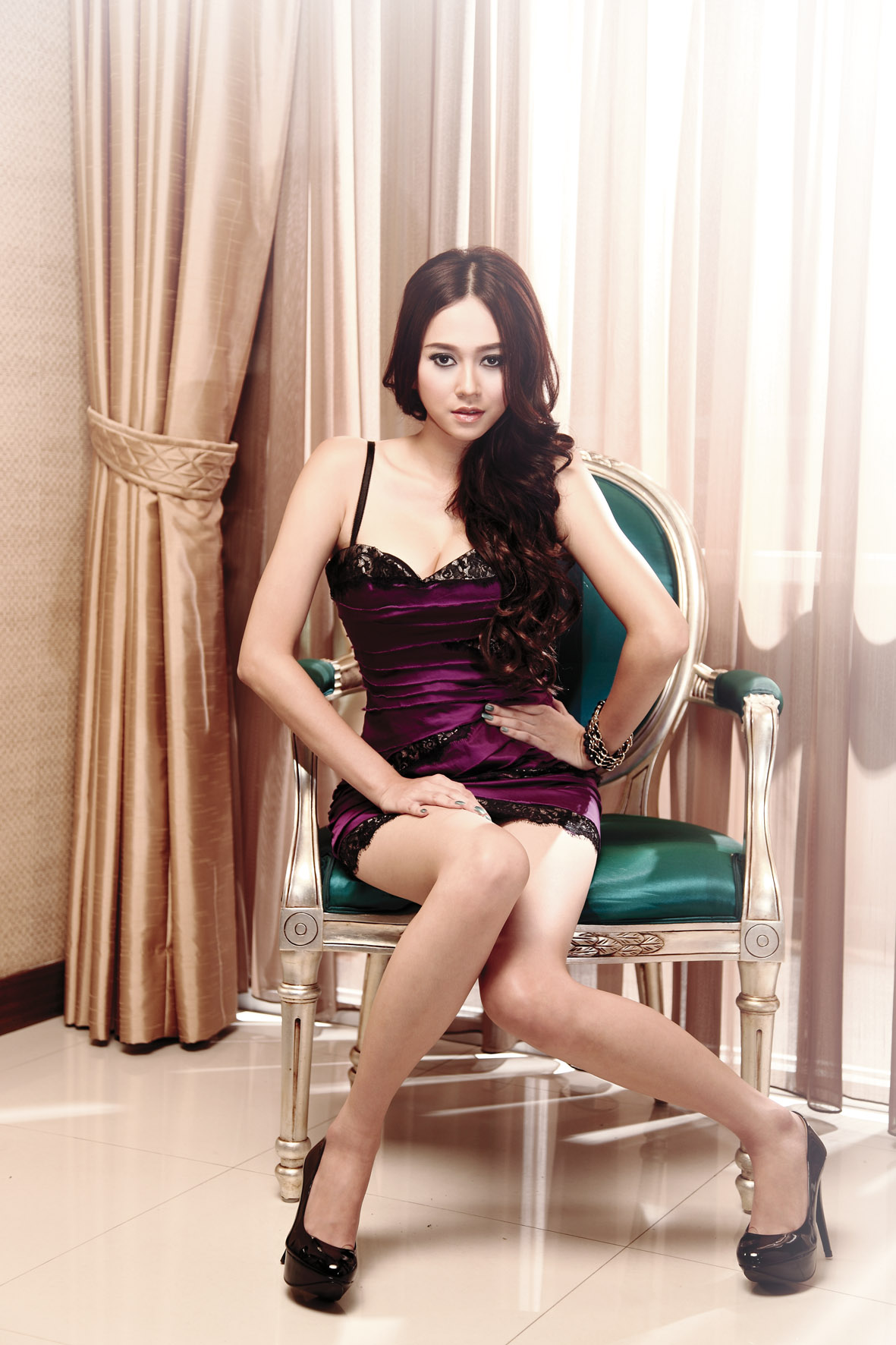 Anna Kay Faris nude